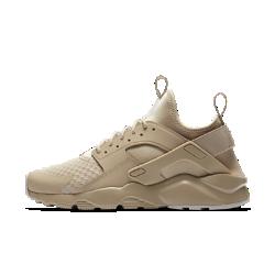 Мужские кроссовки Nike Air Huarache UltraМужские кроссовки Nike Air Huarache Ultra с перфорированным пеноматериалом, сетчатым верхом и цельной подошвой обеспечивают легкость, воздухопроницаемость и комфорт. Эластичный ремешок и резиновый каркас в области пятки создает узнаваемый образ Huarache.<br>
