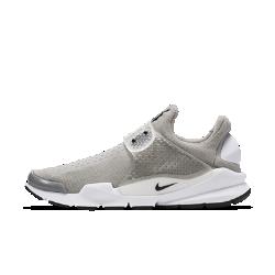 Кроссовки унисекс Nike Sock DartКроссовки унисекс Nike Sock Dart с мягким верхом комфортно облегают стопу, но отлично сохраняют форму, обеспечивая необходимую стабилизацию.  Плотная посадка и надежная фиксация  Эластичная воздухопроницаемая сетка позволяет сохранить ощущение прохлады и обеспечивает комфорт, а литой ремешок с регулируемой застежкой в средней части стопыпозволяет сделать посадку максимально удобной.  Мягкая амортизация  Полноразмерная вставка из материла Phylon надолго обеспечивает амортизацию и комфорт.<br>
