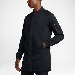 Мужская куртка Nike F.C.Минималистичный и стильный дизайн мужской куртки Nike F.C. вдохновлен эстетикой пейзажей России и дерзким духом, царящим на коробке — месте, где зарождался российскийфутбол.<br>