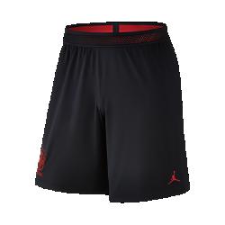 Мужские шорты Nike Strike Knit NJRМужские шорты Nike Strike Knit NJR обеспечивают воздухопроницаемость и комфорт без утяжеления, куда бы ты ни пошел.Это результат совместного проекта двух легенд спорта.<br>