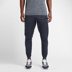 Мужские джоггеры Nike Sportswear BondedМужские джоггеры Nike Sportswear Bonded из легкого тканого материала с большим боковым карманом на молнии с отделкой Bemis Tape&amp;#8482;создают стильный образ.<br>