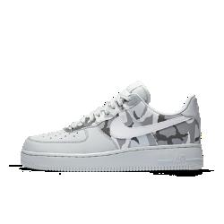 Мужские кроссовки Nike Air Force 107 Low CamoМужские кроссовки Nike Air Force 107 Low— это продолжение легенды, современная трактовка классической модели, свежие идеи в традиционном дизайне. Этот повседневный силуэт предстает с камуфляжным принтом в разных вариантах расцветок.<br>