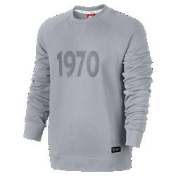 Мужской свитшот из ткани френч терри Paris Saint-Germain Nike SportswearМужской свитшот из ткани френч терри Paris Saint-Germain Nike Sportswear с символикой команды на комфортной смесовой ткани на основе хлопка отлично защищает от холода.<br>