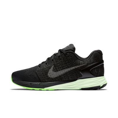 Женские беговые кроссовки Nike LunarGlide 7 MPЖенские беговые кроссовки Nike LunarGlide 7 MP обеспечивают плотную посадку и мягкую амортизацию для комфортного бега на любое расстояние. Легкость и комфорт Конструкция Nike Flyknit в пятке и средней части стопы, а также материал Flymesh в передней части для поддержки и комфорта без утяжеления и оптимальной вентиляции. Мягкая адаптивная амортизация Подошва из пеноматериала Lunarlon двойной плотности состоит из двух частей: мягкой центральной части и более плотной оболочки для адаптивной амортизации и поддержки без утяжеления. Плавная стабилизация Подошва с платформой Dynamic Support без утяжеления обеспечивает необходимую устойчивость и плавный переход с пятки на носок.<br>