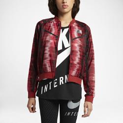 Женская куртка Nike InternationalВдохновленная огнями вечернего Лос-Анджелеса, какими их видят атлеты из беговых клубов города, женская куртка Nike International — это новая версия классической модели длязащиты от холода без утяжеления. Двусторонняя молния и стильные элементы дополняют легендарный силуэт.<br>