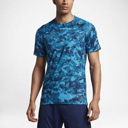 Мужская футболка для тренинга с коротким рукавом Nike Pro HyperCoolМужская футболка для тренинга с коротким рукавом Nike Pro HyperCool с дышащей конструкцией и плотной посадкой обеспечивает комфорт во время высокоинтенсивных тренировок.  Комфорт  Технология Dri-FIT обеспечивает комфорт, отводя влагу с кожи на поверхность ткани, откуда она быстро испаряется.  Охлаждение  Вставки из сетки на спине и по бокам создают вентиляцию в зонах повышенного тепловыделения, обеспечивая прохладу даже во время интенсивных тренировок.  Продолжай движение  Плотная посадка делает футболку универсальной: ее можно носить самостоятельно или в качестве легкого базового слоя под курткой или худи.<br>