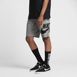 Мужские шорты Nike SB DryМужские шорты Nike SB Dry из мягкой влагоотводящей ткани обеспечивают комфорт на весь день.<br>