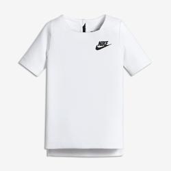 Футболка с коротким рукавом для девочек школьного возраста Nike Sportswear Tech FleeceФутболка с коротким рукавом для девочек школьного возраста Nike Sportswear Tech Fleece с невесомым утеплителем обеспечивает идеальный баланс тепла и свободы движений.<br>