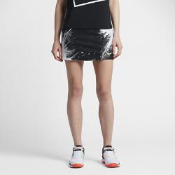 Теннисная юбка NikeCourt Power SpinТеннисная юбка NikeCourt Power Spin из сверхэластичной ткани со вшитыми шортами позволяет двигаться максимально быстро на протяжении всего матча. Энергичный принт вдохновлен разлетающимся под кроссовками атлета грунтом во время интенсивной игры.<br>