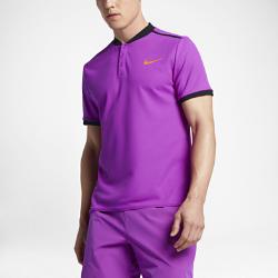 Мужская теннисная рубашка-поло NikeCourt AdvantageМужская теннисная рубашка-поло NikeCourt Advantage — новая версия классической рубашки для современной игры. Ультралегкая и эластичная ткань обеспечивает свободу движений на любой скорости.<br>