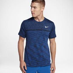 Мужская теннисная футболка с коротким рукавом NikeCourt Dry ChallengerМужская теннисная футболка с коротким рукавом NikeCourt Dry Challenger из эластичной влагоотводящей ткани с кромкой в стиле «долфин» обеспечивает комфорт во время игры.<br>