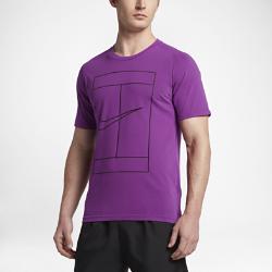Мужская теннисная футболка с коротким рукавом NikeCourt DryМужская теннисная футболка с коротким рукавом NikeCourt Dry из влагоотводящей ткани с эргономичной конструкцией обеспечивает комфорт и естественную свободу движений во время игры.<br>
