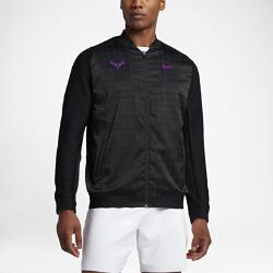 Мужская теннисная куртка NikeCourt Rafael NadalМужская теннисная куртка NikeCourt Rafael Nadal из влагоотводящей ткани с эргономичной конструкцией обеспечивает комфорт и естественную свободу движений во время игры.<br>