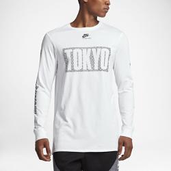 """Мужская футболка с длинным рукавом Nike International """"Tokyo""""Мужская футболка с длинным рукавом Nike International """"Tokyo"""" из чистого хлопка с удлиненной сзади нижней кромкой обеспечивает длительный комфорт и защиту.<br>"""