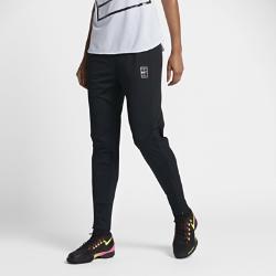 Женские теннисные брюки NikeCourt Dri-FITЖенские теннисные брюки NikeCourt Dri-FIT из влагоотводящей ткани обеспечивают вентиляцию и комфорт и идеально подходят для разминки.<br>