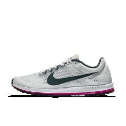 Беговые кроссовки унисекс Nike Zoom Streak 6Беговые кроссовки унисекс Nike Zoom Streak 6 анатомической формы со специальным рисунком подошвы обеспечивают надежное сцепление при движении вперед.<br>