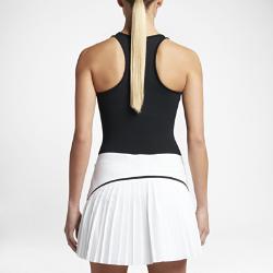 Женская майка для гольфа Nike DryЖенская майка для гольфа Nike Dry из мягкой влагоотводящей ткани обеспечивает комфорт и свободу движений во время игры.  Комфорт  Ткань Nike Dry отводит влагу на поверхность ткани, где она быстро испаряется, обеспечивая комфорт.  Свобода движений  Мягкая легкая ткань и Т-образная спина обеспечивают полную свободу движений.<br>