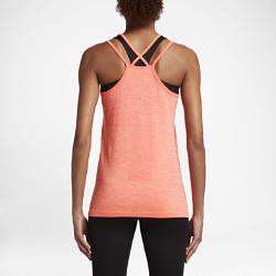 Женская беговая майка Nike Dri-FIT KnitЖенская беговая майка Nike Dri-FIT Knit из гладкой ткани с бесшовной конструкцией обеспечивает охлаждение и комфорт во время бега. Открытая конструкция с бретелями и прилегающий крой для свободы движений и абсолютной концентрации.  Специальные зоны вентиляции  На груди, по центру спины и по бокам используется более открытое плетение, напоминающее по структуре сетку, для усиленной вентиляции и оптимальной терморегуляции во время разминки и пробежки.  Длительный комфорт  Невероятно гладкая и мягкая ткань и практически бесшовная конструкция (швы есть только на бретелях). Эта первоклассная конструкция обеспечивает непревзойденный комфорт на всей дистанции.<br>