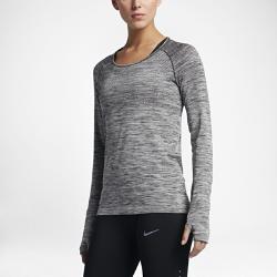 Женская беговая футболка с длинным рукавом Nike Dri-FIT KnitВЕНТИЛЯЦИЯ И КОМФОРТ.  Женская беговая футболка с длинным рукавом Nike Dri-FIT Knit обеспечивает непревзойденный комфорт благодаря практически бесшовной конструкции. Более открытое плетение включевых зонах усиливает вентиляцию, обеспечивая комфорт и помогая полностью сосредоточиться на беге.  Специальные зоны вентиляции  На груди и в верхней части спины используется более открытое плетение, напоминающее по структуре сетку, для усиленной вентиляции и оптимальной терморегуляции во время разминки и пробежки.  Длительный комфорт  Швы есть только на стыке рукавов с основой. Полное отсутствие швов по бокам обеспечивает невероятную гладкость и мягкость. Эта первоклассная конструкция обеспечивает непревзойденный комфорт на всей дистанции.  Отведение влаги  Технология Dri-FIT обеспечивает прохладу и комфорт, выводя влагу на поверхность ткани, где она быстро испаряется.<br>