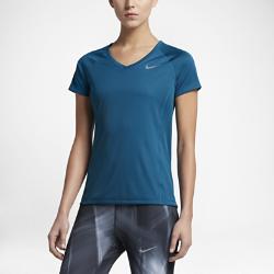 Женская беговая футболка с коротким рукавом Nike MilerЖенская беговая футболка с коротким рукавом Nike Miler из влагоотводящей ткани со вставками из сетки обеспечивает воздухопроницаемость и комфорт на любой пробежке.<br>