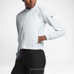 Женская куртка для тренинга Nike FlexЖенская куртка для тренинга Nike Flex из легкой эластичной ткани с дышащими боковыми вставками обеспечивает свободу движений, вентиляцию и комфорт во время тренировок.<br>