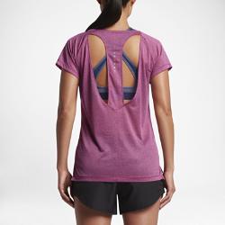 Женская беговая футболка с коротким рукавом Nike BreatheЖенская беговая футболка с коротким рукавом Nike Breathe из легкой сетки с открытой спиной обеспечивает вентиляцию и комфорт во время пробежки.<br>