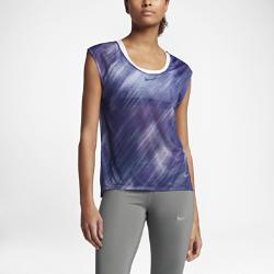 Женская беговая футболка с коротким рукавом Nike BreatheЖенская беговая футболка с коротким рукавом Nike Breathe из влагоотводящей ткани с удлиненной сзади нижней кромкой обеспечивает прохладу и длительное ощущение комфорта.<br>