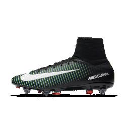 Футбольные бутсы для игры на мягком грунте Nike Mercurial Veloce III Dynamic Fit SG-PROФутбольные бутсы для игры на мягком грунте Nike Mercurial Veloce III Dynamic Fit SG-PRO обеспечивают отличную посадку, превосходное касание мяча и потрясающее сцепление с поверхностью, позволяя развивать максимальную скорость на влажных и скользких полях.  ТЕХНОЛОГИЯ DYNAMIC FIT В ОБЛАСТИ ГОЛЕНОСТОПА  Технология Dynamic Fit в области голеностопа обеспечивает плотную посадку и комфорт.  РЕБРИСТАЯ КОНСТРУКЦИЯ  Рельефный верх с ребристой конструкцией создает необходимое трение для улучшенного контроля мяча.  МИКРОТЕКСТУРНЫЙ СИНТЕТИЧЕСКИЙ МАТЕРИАЛ  Легкая и минималистичная микрофибра повторяет форму стопы.<br>