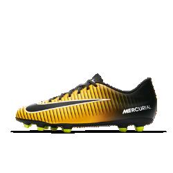 Футбольные бутсы для игры на твердом грунте Nike Mercurial Vortex III FGФутбольные бутсы для игры на твердом грунте Nike Mercurial Vortex III FG созданы для современной динамичной игры на полях с короткой травой.Ребристая накладка создает текстурированную поверхность для большей точности при пасах, ведении и ударах.<br>