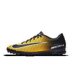 Футбольные бутсы для игры на газоне Nike Mercurial Vortex IIIФутбольные бутсы для игры на газоне Nike Mercurial Vortex III с шипами из не оставляющей следов резины обеспечивают сцепление во всех направлениях на полях с синтетическим покрытием. Ребристая накладка создает текстурированную поверхность для большей точности при пасах, ведении и ударах.<br>