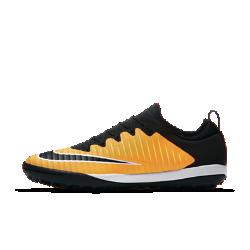 Футбольные бутсы для игры на газоне Nike MercurialX Finale IIФутбольные бутсы для игры на газоне Nike MercurialX Finale II обеспечивают отличную посадку, непревзойденное касание и потрясающее сцепление, позволяя развивать максимальную скорость на искусственных поверхностях.  Ребристая конструкция  Рельефный верх с ребристой конструкцией создает необходимое трение для улучшенного контроля мяча.  Технология NIKESKIN  Верх из легкой сетки с тонкой накладкой из пластиковой пленки обеспечивает фиксацию и боковую стабилизацию.<br>
