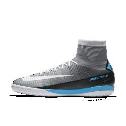 Футбольные бутсы для игры в зале/на поле Nike MercurialX Proximo IIФутбольные бутсы для игры в зале/на поле Nike MercurialX Proximo II обеспечивают отличную посадку, непревзойденное касание и потрясающее сцепление, позволяя развивать максимальную скорость в помещении и на уличных площадках.<br>