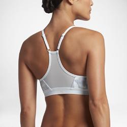 Спортивное бра с легкой поддержкой Nike Indy WipeoutСпортивное бра с легкой поддержкой Nike Indy Wipeout из эластичной влагоотводящей ткани обеспечивает комфорт и поддержку во время занятий низкой интенсивности.<br>