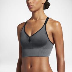 Спортивное бесшовное бра с легкой поддержкой NikeСпортивное бесшовное бра с легкой поддержкой Nike со съемными вкладышами обеспечивает удобную посадку и поддержку во время занятий низкой интенсивности.<br>