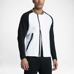 Мужская куртка Nike Sportswear Tech FleeceМужская куртка Nike Sportswear Tech Fleece в превосходном функциональном исполнении для городских улиц из технологичного флиса обеспечивает невесомое тепло. Вставки в зонах повышенного тепловыделения повышают воздухопроницаемость, а укрепленные карманы позволяют надежно хранить важные мелочи.<br>