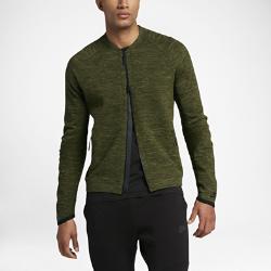 Мужская куртка Nike Sportswear Tech KnitМужская куртка Nike Sportswear Tech Knit с продуманным расположением вставок из мягкой дышащей ткани обеспечивает тепло и плотную естественную посадку.<br>