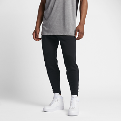 Мужские джоггеры Nike Sportswear Tech KnitМужские джоггеры Nike Sportswear Tech Knit с продуманным расположением вставок из невероятно мягкой дышащей ткани обеспечивают тепло и плотную естественную посадку.  Специальные зоны для комфорта  Ткань Nike Tech Knit — уникальное сочетание нейлона и хлопка. Эта теплая ткань дарит максимальный комфорт и превосходное ощущение мягкости. Она удерживает тепло, обеспечивая прохладу там, где это необходимо.  Свобода движений  Зауженный крой повторяет контуры тела и не ограничивает движения.<br>