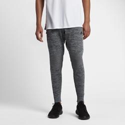 Мужские джоггеры Nike Sportswear Tech KnitМужские джоггеры Nike Sportswear Tech Knit с продуманным расположением вставок из невероятно мягкой дышащей ткани обеспечивают тепло и плотную естественную посадку.<br>