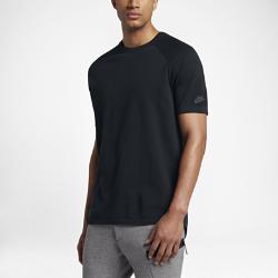 Мужская футболка с коротким рукавом Nike Sportswear Tech KnitМужская футболка с коротким рукавом Nike Sportswear Tech Knit со вставками из мягкой дышащей ткани обеспечивает тепло и плотную естественную посадку там, где это необходимо.<br>