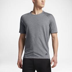 Мужская футболка с коротким рукавом Nike Sportswear BondedМужская футболка с коротким рукавом покроя реглан Nike SB Holgate Lightweight Woven с удлиненной сзади нижней кромкой обеспечивает естественную свободу движений, комфорт и защиту.<br>