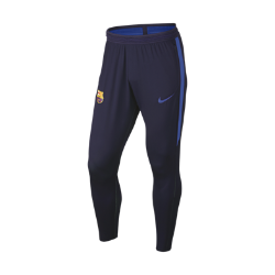 Мужские футбольные брюки Nike FC Barcelona Strike FlexМужские футбольные брюки Nike FC Barcelona Strike Flex из легкой сверхэластичной ткани с водоотталкивающим покрытием защищают от влаги, даря комфорт и свободу движений на поле.  Высокая эластичность  Эластичная ткань Nike Flex повторяет движения тела для высоких результатов. При растяжении ткани становится виден цветовой акцент, который позволяет создать уникальный образ.  Легкость и вентиляция  Низкопрофильный пояс Flyvent для превосходной воздухопроницаемости и надежной посадки.  Свобода движений  Зауженные штанины с цельным кроем в нижней части обеспечивают полную свободу движений даже при беге на максимальной скорости.<br>