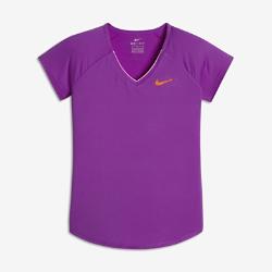Теннисная футболка для девочек школьного возраста NikeCourtТеннисная футболка для девочек школьного возраста NikeCourt из влагоотводящей ткани обеспечивает комфорт на корте и за его пределами.<br>
