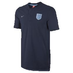Мужская рубашка-поло England Modern Authentic Grand SlamМужская рубашка-поло England Modern Authentic Grand Slam с тканой символикой команды выполнена из мягкой смесовой ткани на основе хлопка.<br>