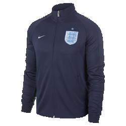 Мужская куртка England N98 AuthenticМужская куртка England N98 Authentic из прочной ткани с воротником-стойкой с молнией до подбородка обеспечивает комфорт и защиту от холода.<br>