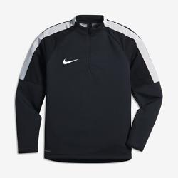 Игровая футболка для школьников Nike Shield Strike DrillИгровая футболка для школьников Nike Shield Strike Drill из эластичной ткани обеспечивает комфорт и свободу движений при любой погоде.<br>