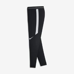 Футбольные брюки для мальчиков школьного возраста Nike Strike FlexФутбольные брюки для мальчиков школьного возраста Nike Strike Flex из легкой сверхэластичной ткани с водоотталкивающим покрытием защищают от влаги и дарят комфорт и свободу движений на поле.  Высокая эластичность  Эластичная ткань Nike Flex повторяет движения тела для высоких результатов. При растяжении ткани становится виден цветовой акцент, который позволяет создать уникальный образ.  Легкость и вентиляция  Низкопрофильный пояс Flyvent для максимальной маневренности и вентиляции.  Свобода движений  Зауженные штанины с цельным кроем в нижней части обеспечивают полную свободу движений даже при беге на максимальной скорости.<br>