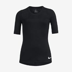 Футболка для тренинга с коротким рукавом для девочек школьного возраста Nike Pro HyperCoolФутболка для тренинга с коротким рукавом для девочек школьного возраста Nike Pro HyperCool с дышащей конструкцией и плотной посадкой обеспечивает комфорт.  Комфорт  Технология Dri-FIT обеспечивает комфорт, отводя влагу с кожи на поверхность ткани, откуда она быстро испаряется.  Охлаждение  Вставка из сетки на спине обеспечивают вентиляцию в зонах повышенного тепловыделения, обеспечивая прохладу даже во время интенсивных тренировок.  Универсальный дизайн  Плотная посадка делает футболку универсальной: ее можно носить самостоятельно или в качестве легкого базового слоя под курткой или худи.<br>