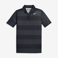 Рубашка-поло для гольфа для мальчиков школьного возраста Nike Bold StripeРубашка-поло для гольфа для мальчиков школьного возраста Nike Bold Stripe из влагоотводящей ткани обеспечивает комфорт во время игры и на каждый день.<br>
