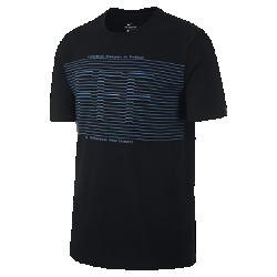 Мужская игровая футболка FFF SquadМужская игровая футболка FFF Squad из мягкого хлопка с яркой клубной графикой обеспечивает длительный комфорт на трибунах и на улице.<br>