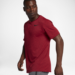 Мужская футболка для тренинга с коротким рукавом Nike BreatheМужская футболка для тренинга с коротким рукавом Nike Breathe обеспечивает вентиляцию и свободу движений, позволяя сохранять полную концентрацию и комфорт на протяжении всей тренировки.<br>